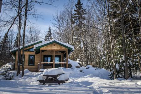 Profitez de l'hiver et réservez l'un de nos 3 refuges rustiques originaux
